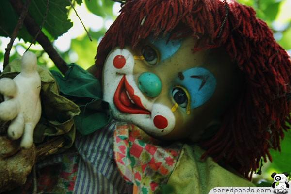 [Resim: oyuncak-bebeklerin-urkutucu-adasi-5.jpg]